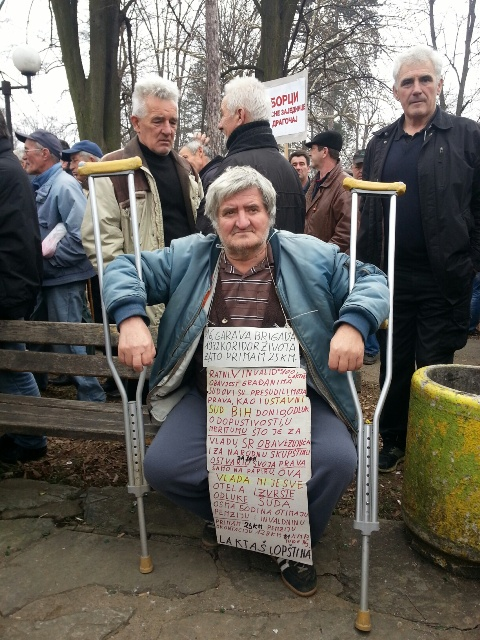 A disabled veteran at a recent protest in Banja Luka (Photo Credit: Buka)