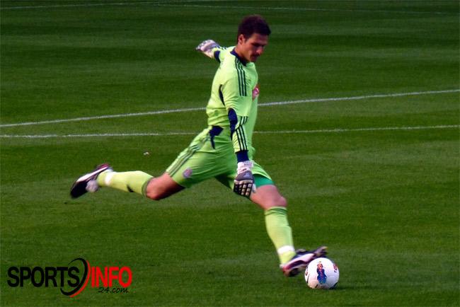 Asmir-Begovic-taking-his-14-second-goals-shot