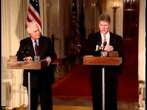 Shevardnadze and President Bill Clinton in 1994.