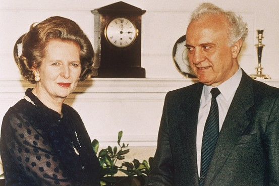 British Prime Minister Margaret Thatcher welcomes Soviet Foreign Minister Eduard Shevardnadze on his arrival for talks in London in 1986 (Photo credit: Associated Press)