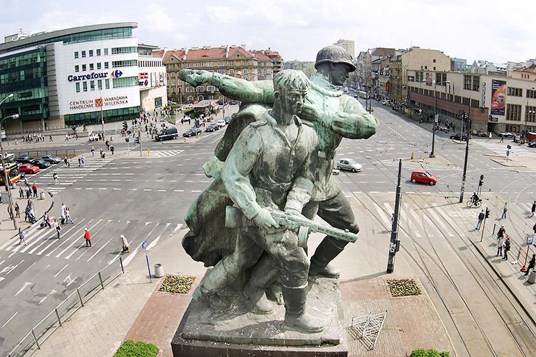 Trzej Walczący / Three Fighting Soldiers (Photo credit: Artur Hojny / Forum)