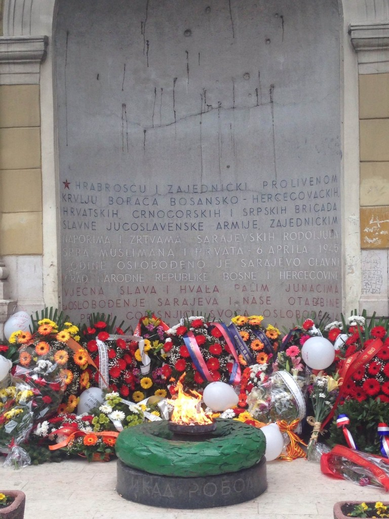 Laying wreaths at the Eternal Flame, Sarajevo, April 6, 2015. (Photo credit: Đ.M.)