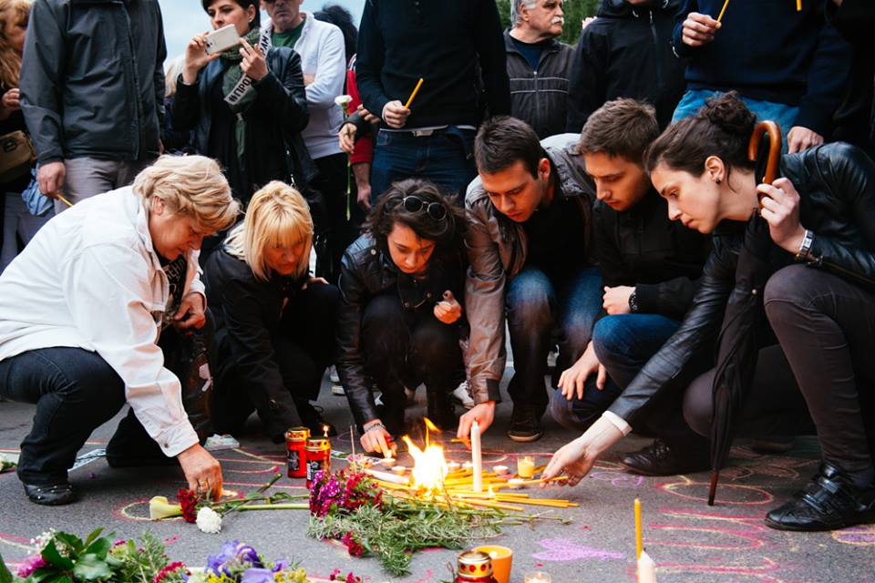 People in Skopje pay homage to the victims of the attack in Kumanovo (Photo credit: Jacopo Landi for Balkanist)