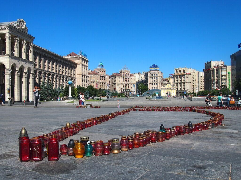 Maidan Square, June 2015 - Candles dedicated to the martyrs of the Maidan protests form a trident (Credit: Anna Keri)