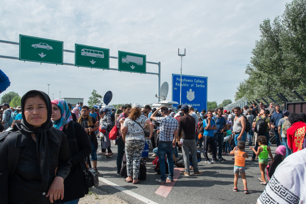 Horgoš on Tuesday. Thousands of refugees are stuck on the Serbian side after Hungary closed its border yesterday night. Photo by author.