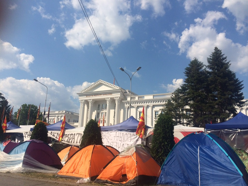 Protest in Skopje, 2015. (Photo credit: Lily Lynch/Balkanist)